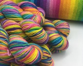 SELF-STRIPING ! - Vikees Rainbow - 2 x 50g  - 18 Stripes