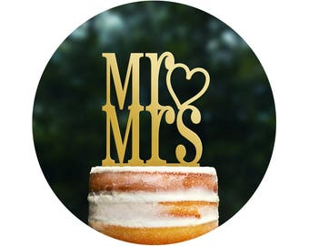 Mr and Mrs with Heart Cake Topper, Wedding Cake Toppers, Cute Cake Topper, Romantic Cake Topper, Engagement Gift, Bridal Shower Gift (T066)