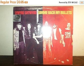 Save 30% Today Vintage 1977 LP Record Lynyrd Skynyrd Gimme Back My Bullets Excellent Condition 10555