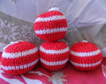 Christmas baubles in wool