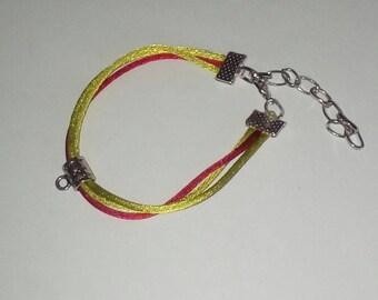 X 1 Bracelet knotting green/red 14cm + 4, 5cm chain