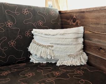 Handowoven Throw Pillow//Decorative Throw Pillow//Neutral Throw Pillow//Gifts for her