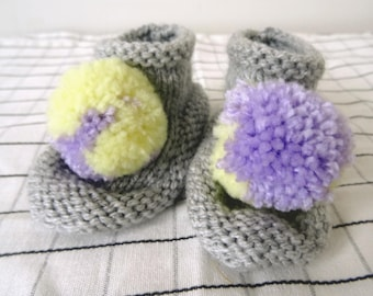Grey baby booties with * CUTE * yellow and purple pom pom, baby bootees neutral boy girl, pom pom booties