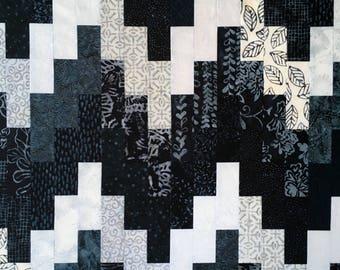 Batik Quilt // Patchwork Quilt // Bargello Quilt // Handmade Quilt // Art Quilt // Blue and White Quilt // Geometric Quilt // Throw Quilt