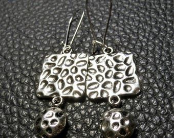 Stylish Square & Circle Hammered Plated Silver Earrings