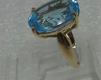 14K yellow gold solitaire vintage aquamarine ring