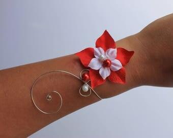 White red bridal Bracelet (or ivory) wedding Valentine pattern