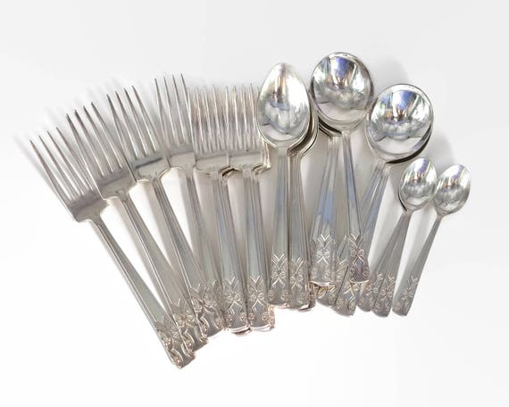 Silver plated part cutlery set, 27 forks and spoons, formal floral pattern, Grosvenor of Australia, Gretel pattern, 1970s