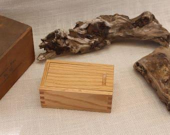 Oak Sliding Lid Box, Sliding Lid Box, Box with Sliding Top, Sliding Top Wooden Box, Oak Sliding Top Box, Oak Box, Keepsake Box,  (st51129J)