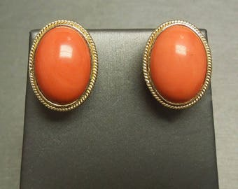 Vintage Estate C1980 14K Yellow Gold Oval Natural Red Coral French Clip Stud / Button Earrings