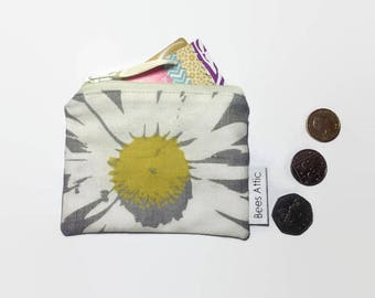 Coin Purse, Floral Coin Purse, Daisy, Credit Card Holder, Grey, Jewellery Pouch, Gift Card Holder, gadget pouch, teabag wallet