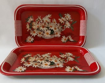 Vintage Shabby Chic Metal Lap Serving Trays Red With Bouquet of White Daisies Set of Four Vintage Farmhouse Decor