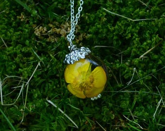 Buttercup Wildflower Resin Sphere