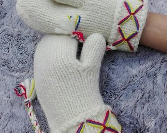 Mittens, Swedish, Lovikka mittens, traditional, scandinavian, felted wool, wool mittens, White / Cream outdoor gift