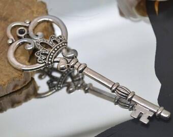 large key pendant silver 8.2x3 cm beloque
