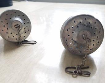 Vintage Tea Ball Infusers/Acorn/Aluminum Screwtop
