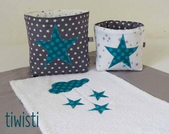 Housse matelas à langer originale  grise et  2 corbeilles de rangement gris, blanc turquoise motif étoile et nuage