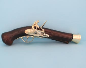 Avon 1780 Blunderbuss Pistol shaped bottle
