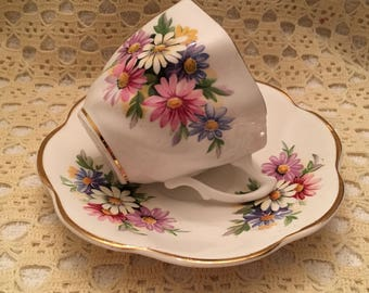Crownford Bone China Floral Cup and Saucer, Crownford Asters Cup and Saucer, Asters Pattern, England, Gold Trim