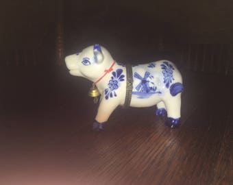 Vintage DELFT Blue And White Cow Trinket Box