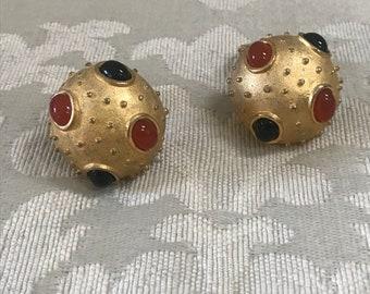 Vintage Clip Ons, Gold Clip Ons, Gemstone Clip Ons, Dome Earrings, Vintage Gold Earrings, Vintage Jewelry, Vintage Earrings, Clip Ons