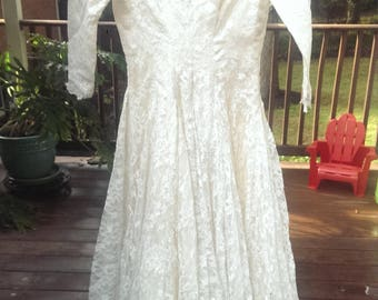 Chantilly Lace Vintage wedding gown