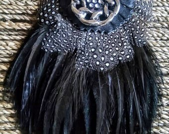 Pendant feathers & leather