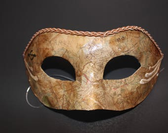 Travel map mask