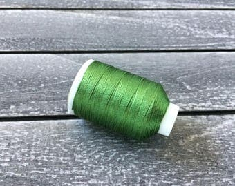 Vintage Gudebrod/Utica Silk Thread Spool, Kelly Green, Size F, 185 Yards