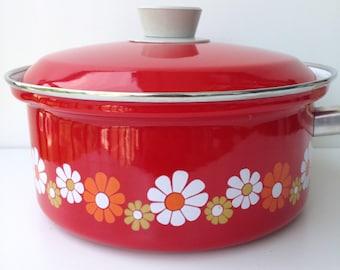 Seventies saucepan flower