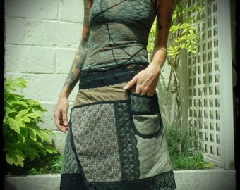 MIDI skirt with patchwork of fabrics and lace