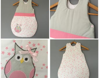 Sleeping bag 0-6 months in white cotton printed pink, grey and pink stars with OWL