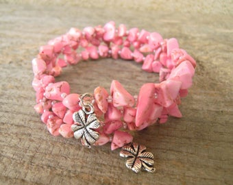 Hovlite bracelet Healing crystals bracelet Gemstone jewelry Beaded boho bangles Memory wire Gift for her Pink bracelets Ready to ship