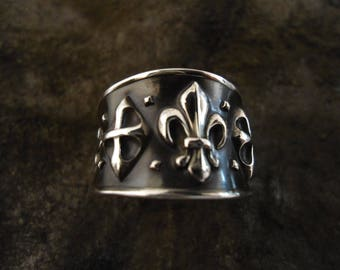 very original ring fleur de lis in antique silver, 15mm, stamped jewelry, made in France