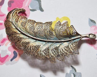 Vintage Bronze Leaf Brooch Christmas Gifts For Her Simple Retro Brooch Vintage Jewelry Gifts For Her Vintage Anniversary Gifts