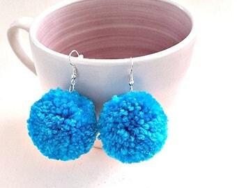 pompom earrings, pom pom earrings, gift for her, girlfriend gift, boho earrings, boho dangle earrings, statement earrings, mothers day gift
