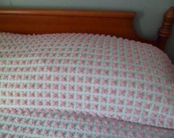 "Vintage Morgan Jones ""Rosebud"" Chenille Bedspread Pink Pops with Mint Green 101"" x 79"""