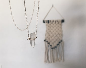 quartz crystal      |     thin gold chain