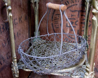 French Egg Basket, Wire Egg Basket, Vintage Egg Basket, Egg Basket, French Country, Rustic Decor, Kitchenalia, Egg Storage, French Basket