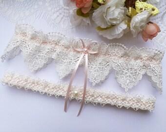 Pink wedding garter set, ivory venise lace garter set, ivory garter set, pink garter set, pearl garter set, bridal garter set