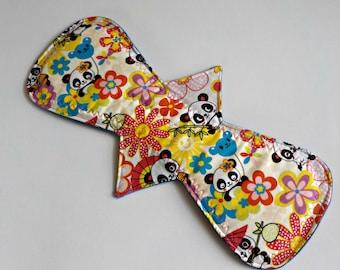 Reusable Cloth Pad/Heavy/14.25 inch-Classic Shape/Panda