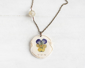 Real Pansy Flower  Pendant, Real Flower Jewelry, Romantic Pendant, Botanical Jewelry, Preserved Flower, Nature Jewelry, Nature Pendant