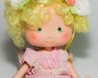 Vintage Strawberry Shortcake Doll Lemon Meringue 5 1/2 inches tall