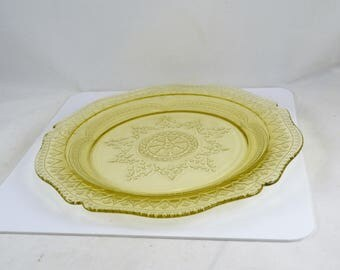Patrician Spoke Dinner Plate - Yellow Depression Glass -  Federal Glass Company 1930s - 11 Inches