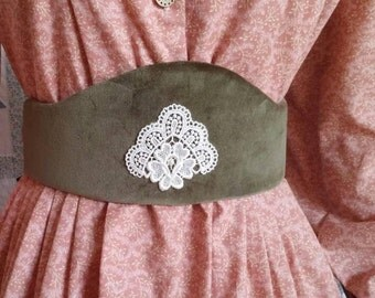 Moss Green Velvet Medici Belt with Cream Applique