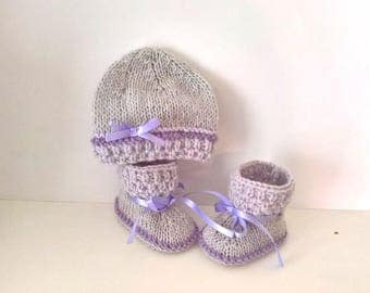 Lilac gray baby 0/1 month baby set hat and matching SLIPPERS