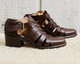 80s Neiman Marcus Brown Leather Buckle Up Heeled Sandals • 8