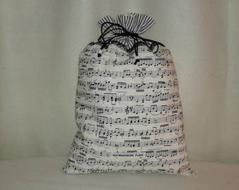 A concerto on my pouch in black and white