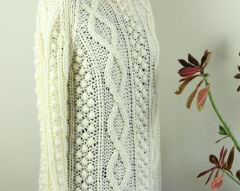 Vintage hand cable knit cream wool acrylic over sized fisherman sweater.