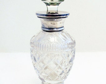 Antique (1907) Edwardian Solid Sterling SILVER Lid Top Mounted & Cut Glass Scent PERFUME BOTTLE Jar Pot. Early 20th-century.